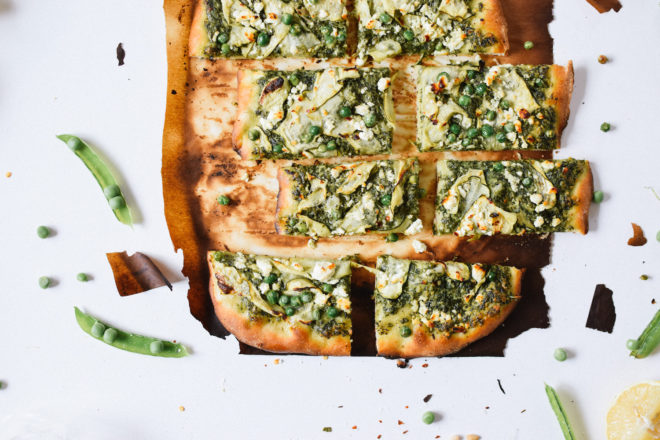 GREEN GODDESS PESTO PIZZA WITH FRESH PEAS & FETA. | Kale ...
