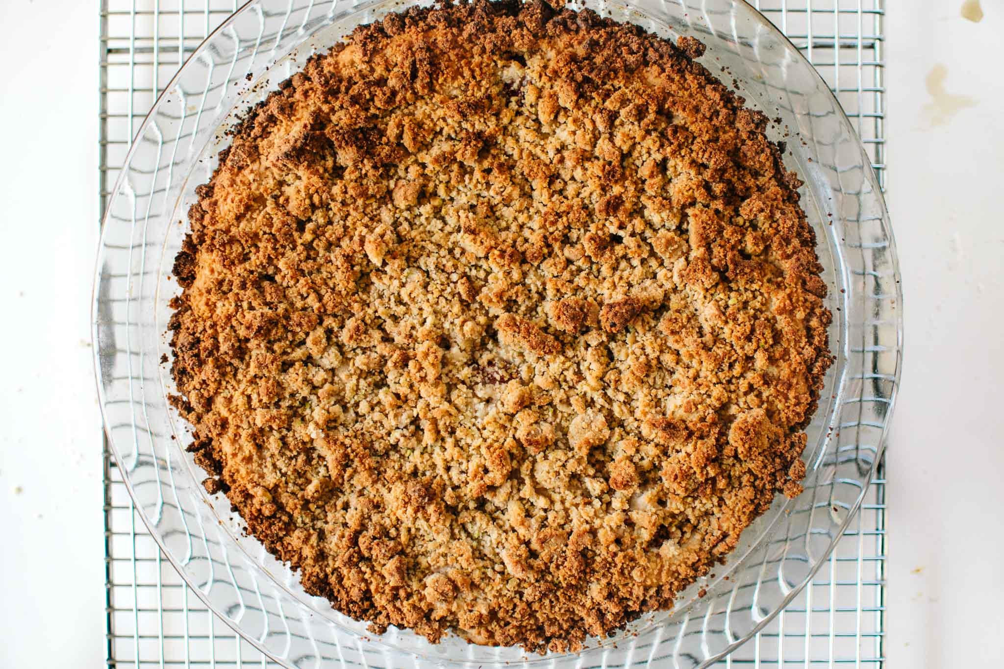 baked vegan pistachio strawberry crumb cake