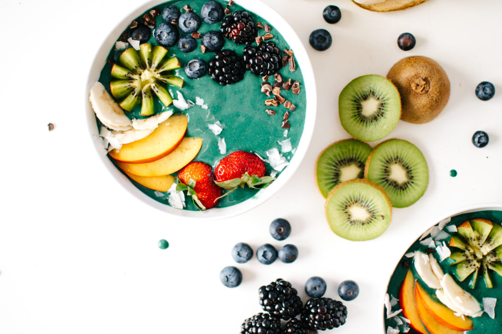 RAINBOW GREEN SMOOTHIE BOWLS.