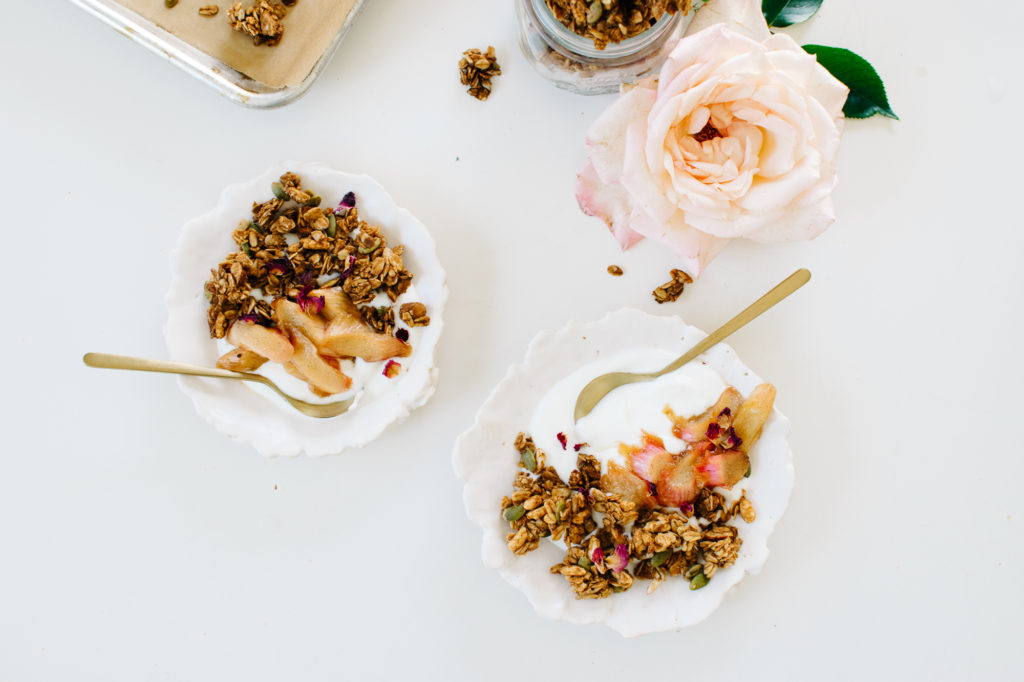 CLUMPY GRANOLA BOWL WITH STEWED RHUBARB & YOGURT FROM CHICKPEA FLOUR DOES IT ALL.