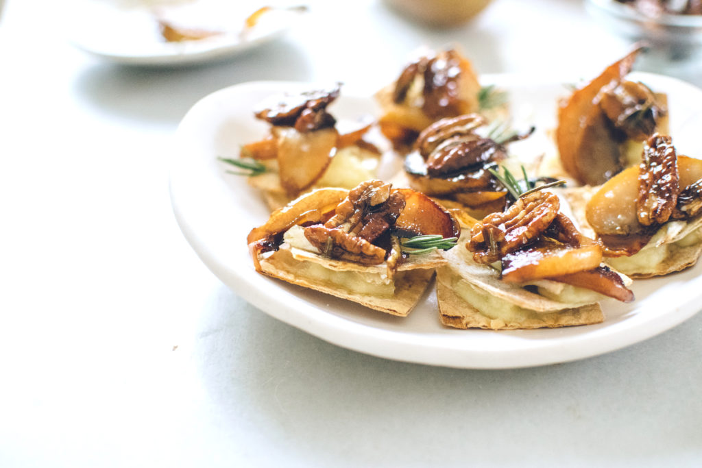BAKED BRIE, ROSEMARY & CARAMELIZED PEAR CANAPÉS. | Kale ...