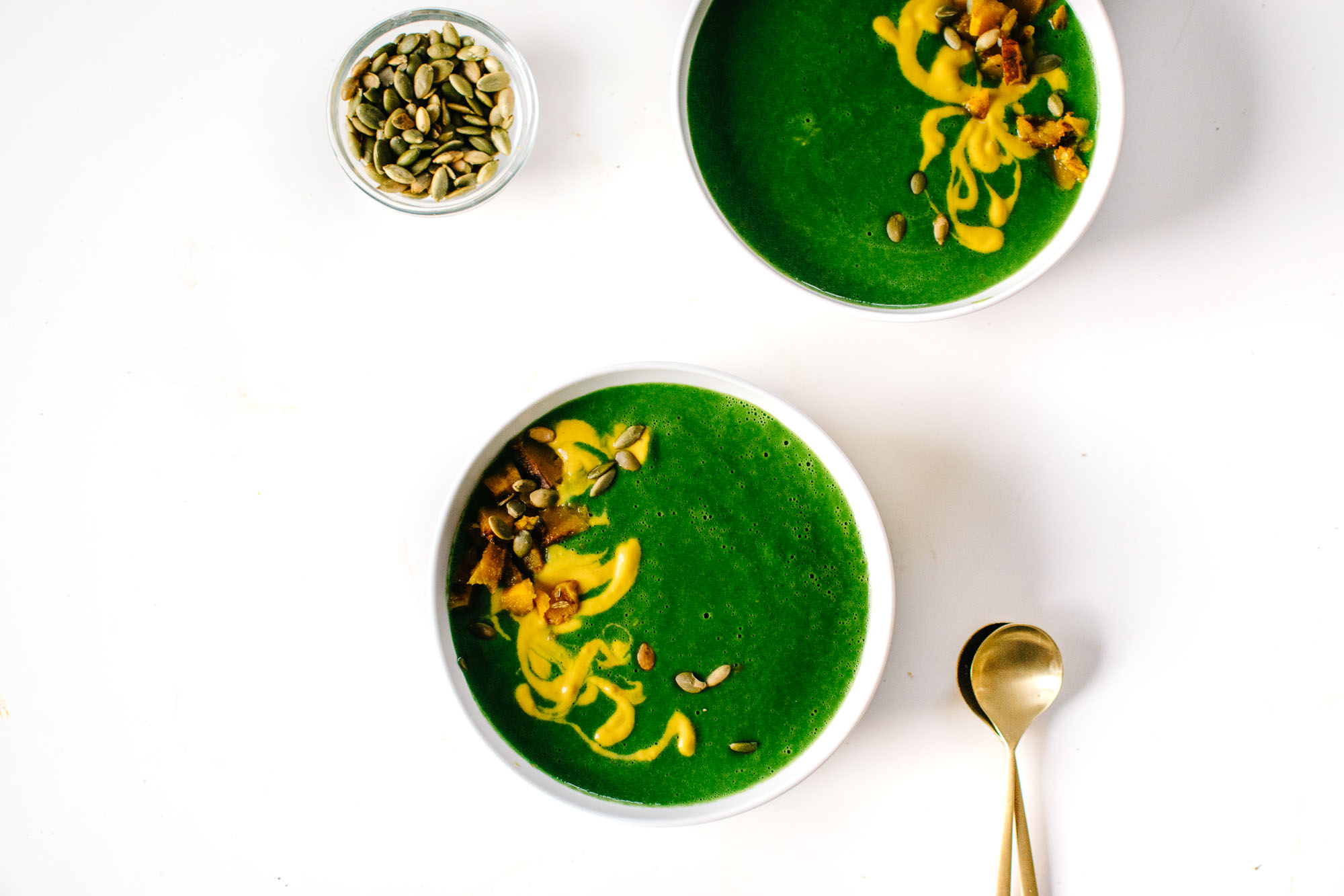 4 EASY BLENDED GREEN SOUPS FOR COZY DINNERS (VEGAN-FRIENDLY)