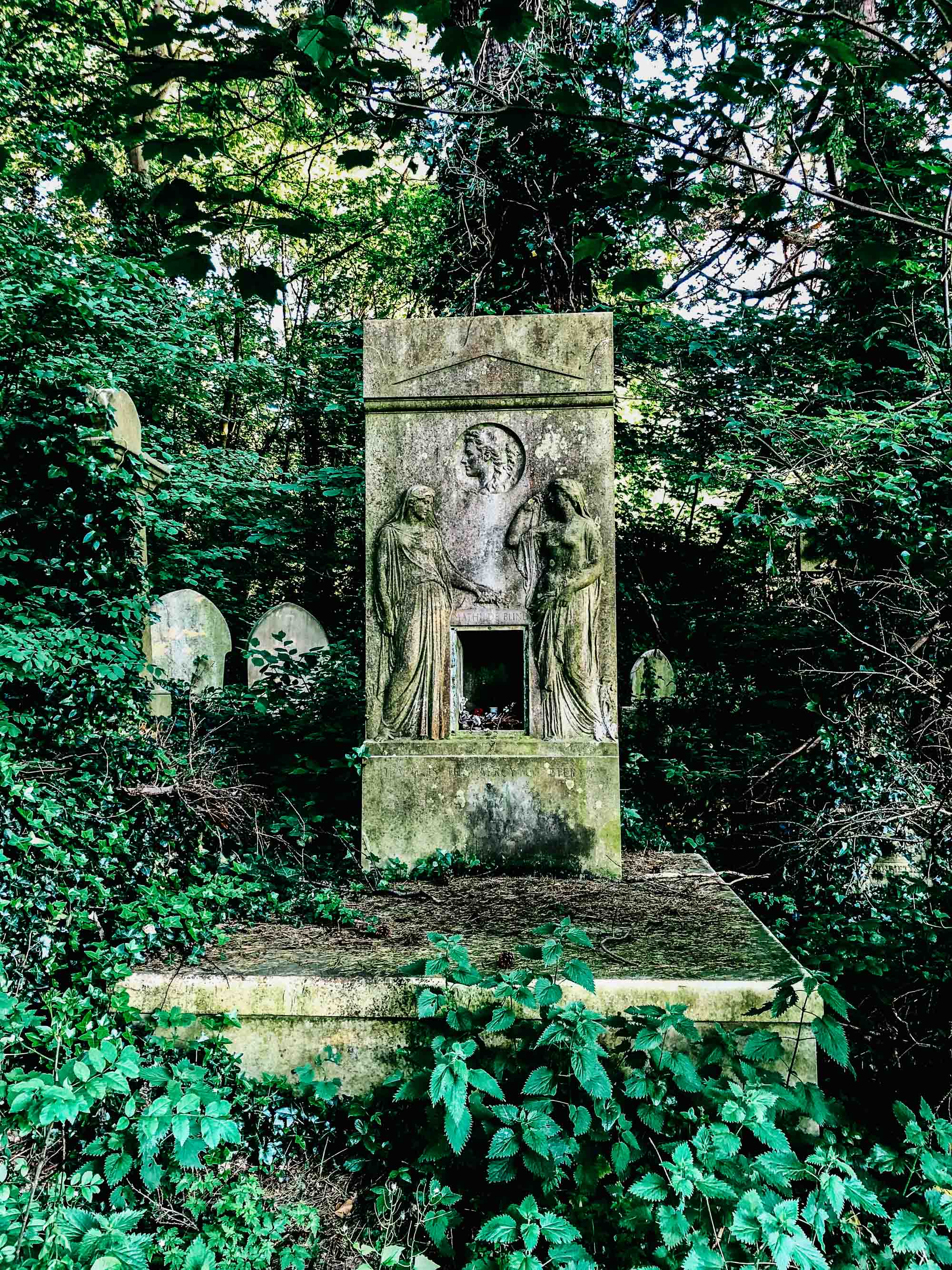 Two days in london a walking tour kale and caramel after a day of travel nearby coldfall wood was the perfect green immersionancient forest giving way to moss covered mausoleums in an overgrown cemetery solutioingenieria Choice Image